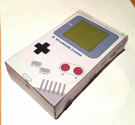 vous envoyer une GameBoy en papier avec votre nom/logo