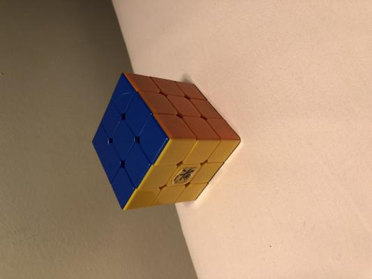 vous apprendre à faire le Rubiks cube