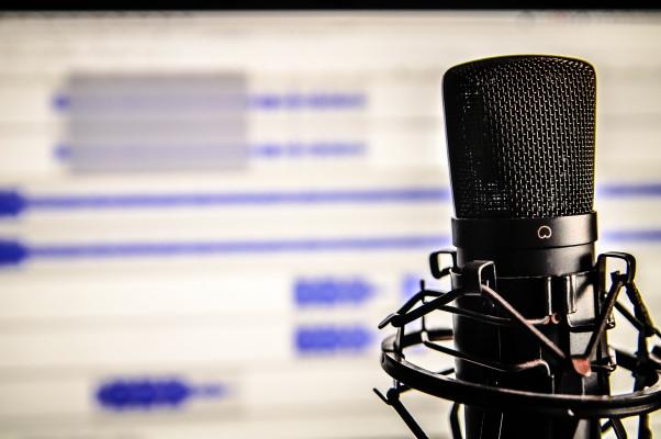dire vos messages personnalisés en voix aigue ou voix grave
