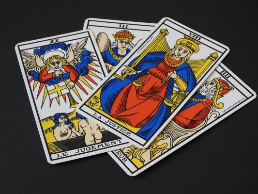 Je vais vous tirer les cartes aujourd hui pour 5 € 62a1fa90879e