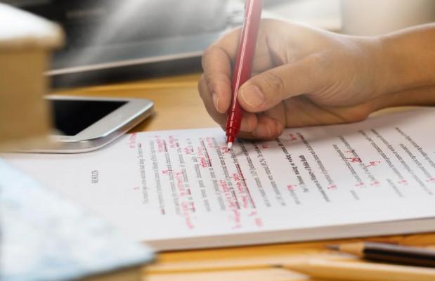 corriger vos textes (rapports, articles, mémoires, romans .....)