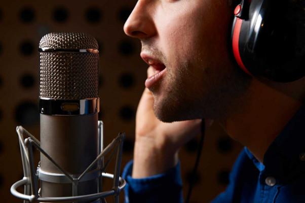 enregistrer la Voix-Off Masculine parfaite pour votre projet