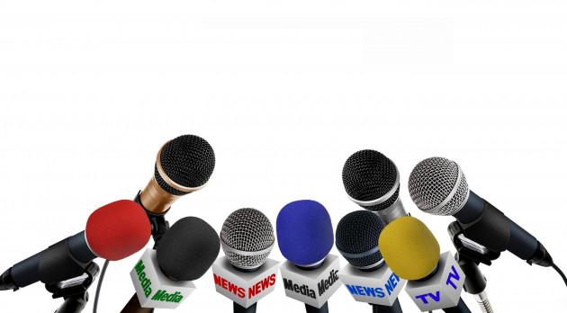 partager les contacts de 3 journalistes du média de votre choix