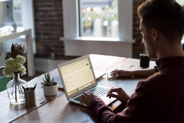 vous conseiller sur votre création d'entreprise et sur votre communication