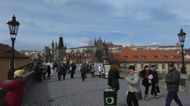 crier un prénom, un texte ou écrire un message n'importe ou dans Prague