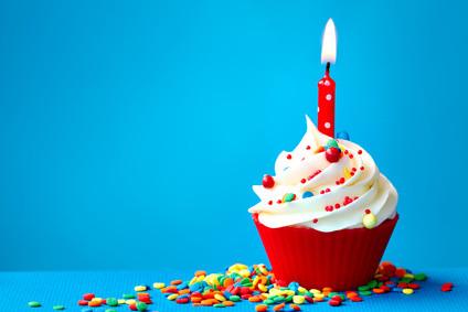 """chanter un """"Joyeux anniversaire"""" par téléphone à votre ami"""