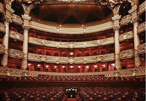 vous donner des conseils pour aborder l'opéra